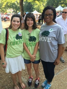 Green Grove Ambassador Brittany Lott works with volunteers to help increase recycling on gameday.